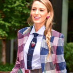 Costume à carreau de Blake Lively